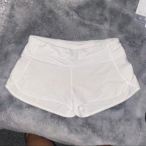 """Lululemon white speed up shorts 2.5"""""""